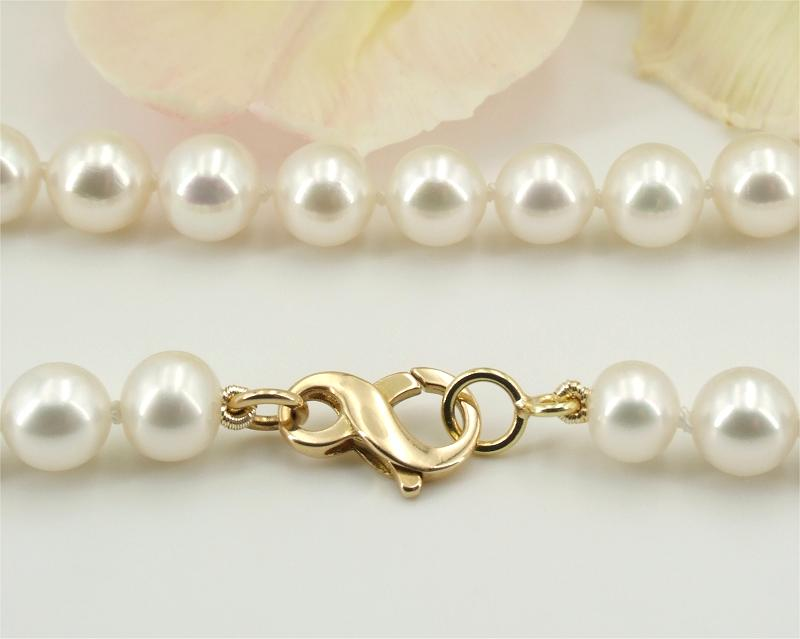 White Pearl Bracelets at SelecTraders