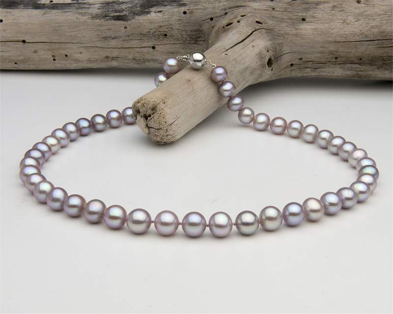 Pearl necklace lavender at SelecTraders